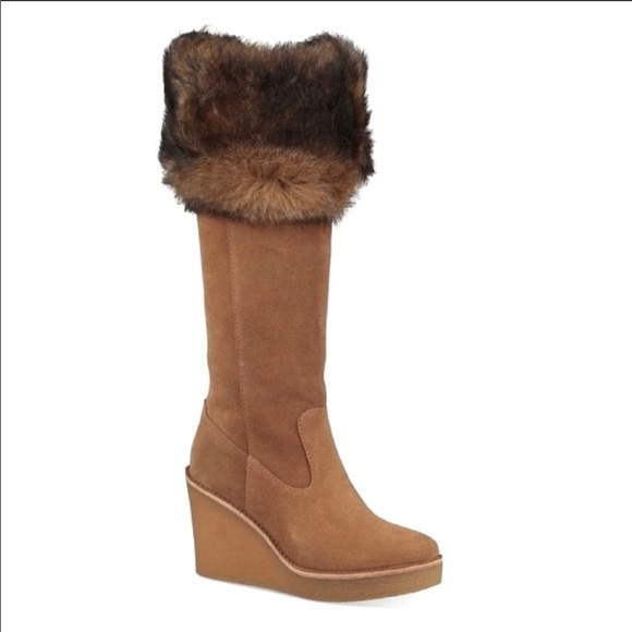 3b160d3940a NWT UGG Valberg Suede Real Fur Cuff Wedge Boot 7.5